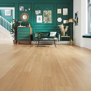 VGW115T_Natural_Prime_Oak_DS05_5mm_Living_Room_Hallway_LS3_CM-300x300
